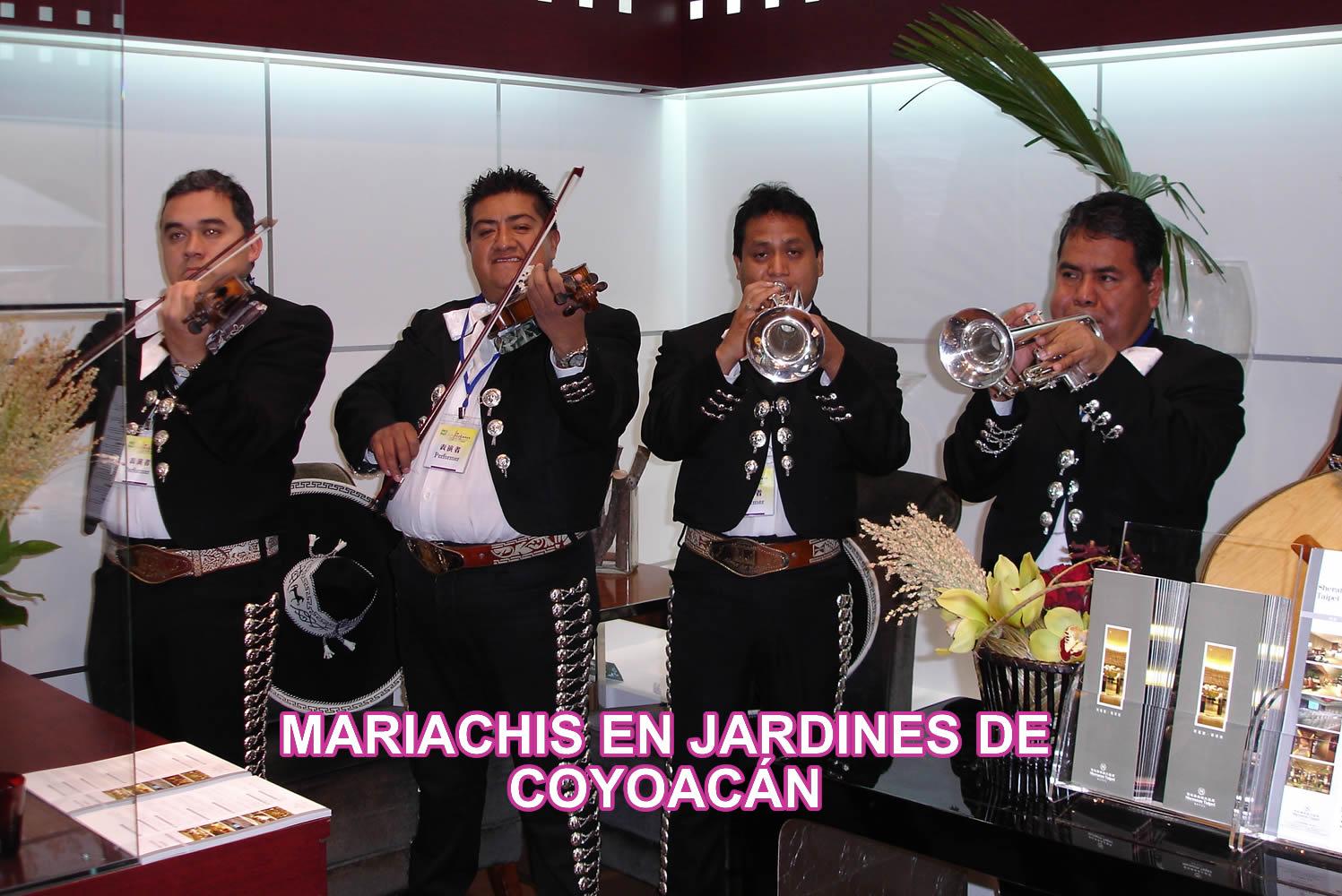 Mariachis en la Colonia Jardines de Coyoacán