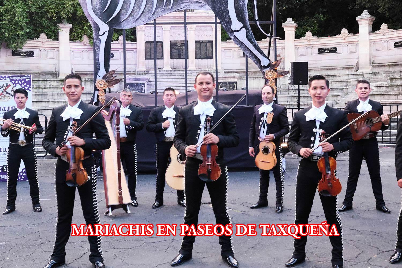 Mariachis en la Colonia Paseos de Taxqueña